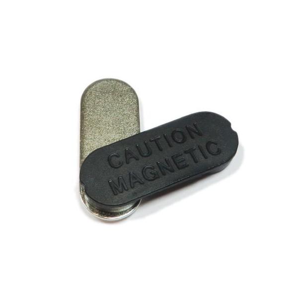 Магнитный держатель для бейджа 34 x 13 мм (пластик)